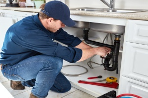 plumber working for Clifton, VA Plumbing Services